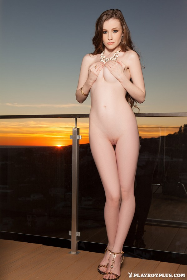 [Playboy Plus] Emily Bloom - Exciting Queen