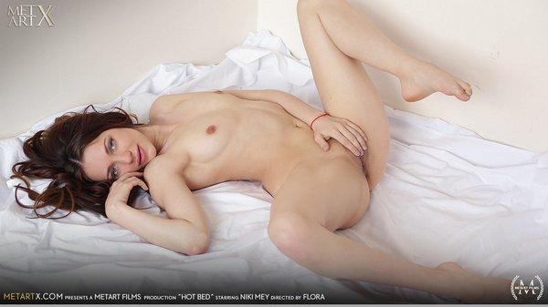 [MetArtX] Niki Mey - Hot Bed